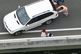 1. 事故車を安全な場所に移動する